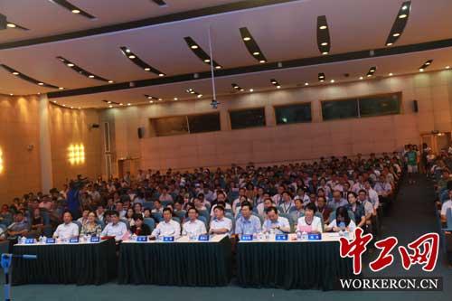 第三届全国高校青年教师教学竞赛决赛在上海举